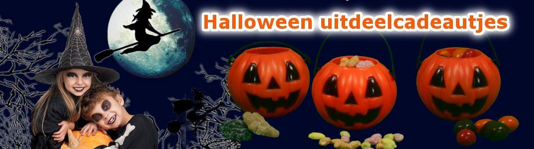 uitdeelcadeautjes in het thema halloween